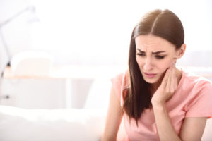 dealing-with-the-discomfort-of-tmj-pains
